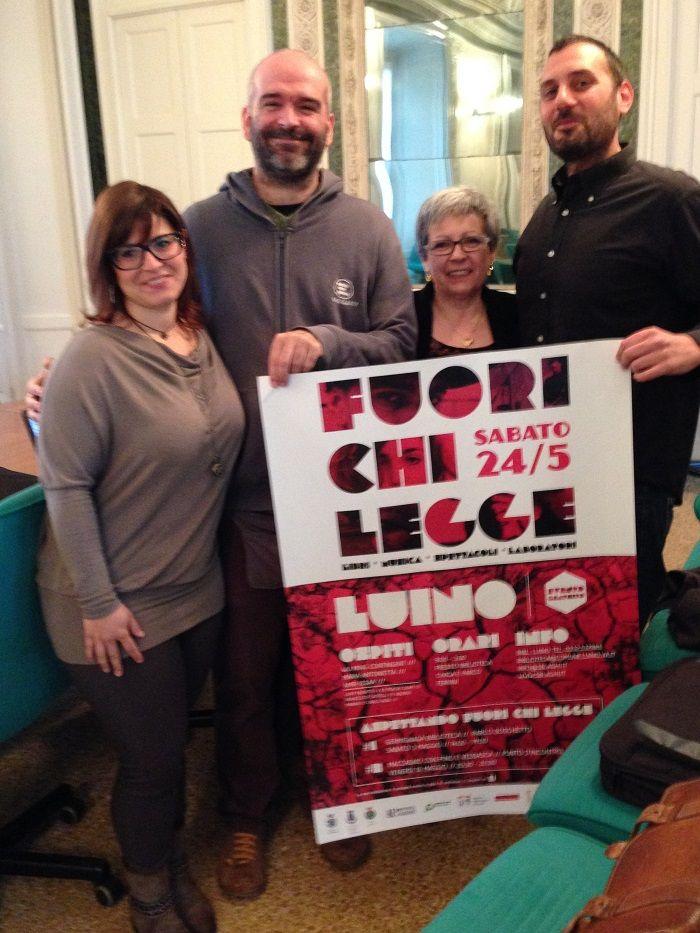 Gli organizzatori di #FuoriChiLegge - #LUINO 24.05.2014 ( conferenza stampa in Provincia a #Varese )