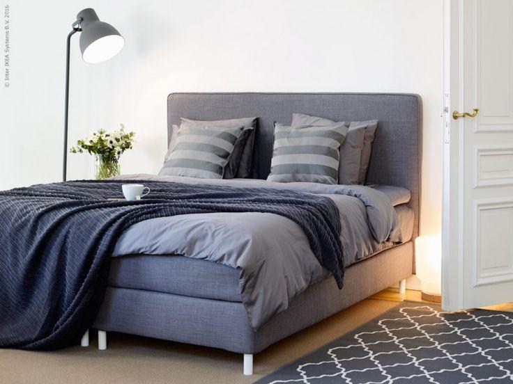 Rätt säng påverkar mer än man tror. Nu uppgraderar vi hela sängsortimentet på IKEA för att du ska må ännu bättre. DUNVIK kontinentalsäng HOKKÅSEN fast, TUSTNA mörkgrå. GÄSPA påslakan 2 örngott, mörkgrå, TUSENSKÖNA överkast mörkgrå.