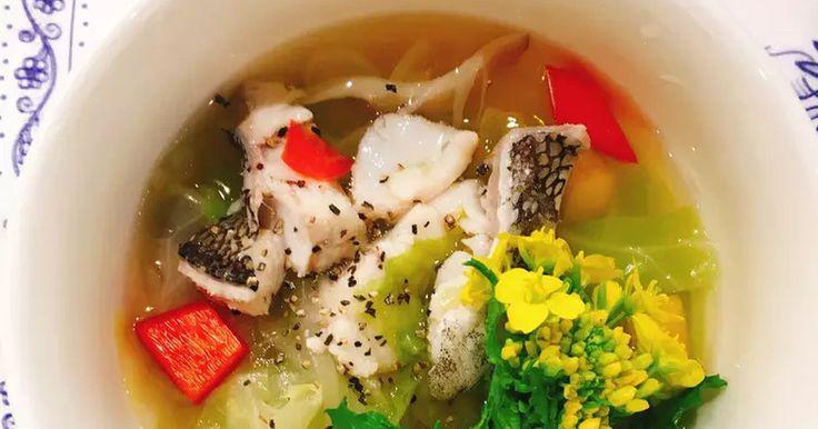 和風だしの優しい味わいの具だくさんスープです。春野菜はお好みで♪