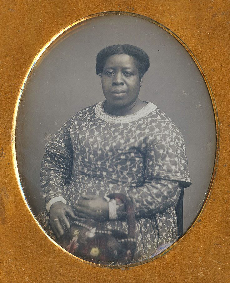 1840s - early 1850s daguerrotype 6th plate tinted African-American woman purse bag Dennis A. Waters Fine Daguerreotypes