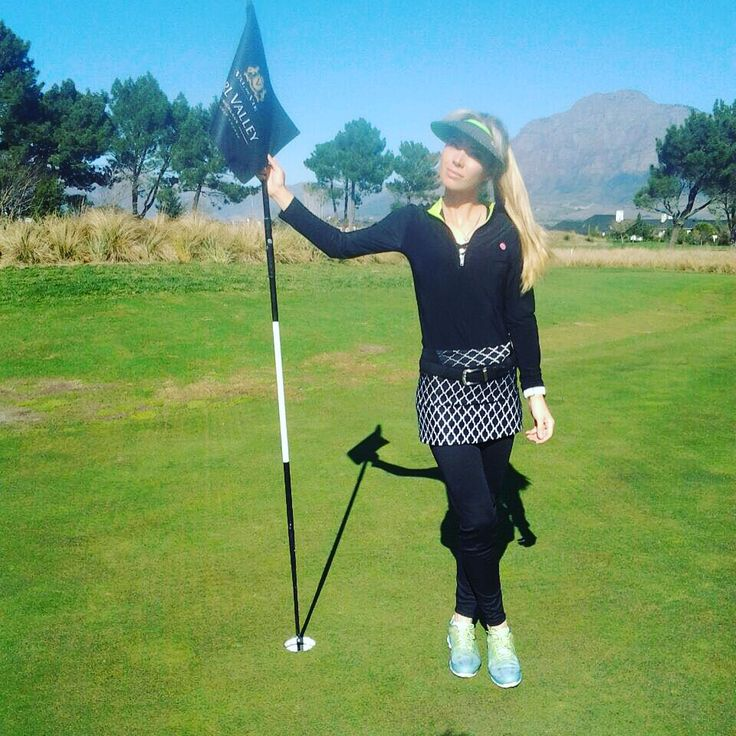 We absolutely LOVE these skeggings!  It's a combination of a skirt and leggings that keeps you looking stylish while giving you the comfort that comes with wearing leggings.  Email info@beautifulmegolf.co.za to order your skeggings!  http://beautifulmegolf.co.za/