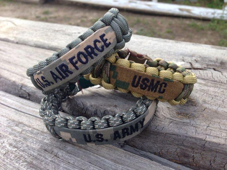 Brazalete de Paracord militar con nombre cinta / ejército / fuerza aérea / Marina de CADETcouture en Etsy https://www.etsy.com/es/listing/154246982/brazalete-de-paracord-militar-con-nombre