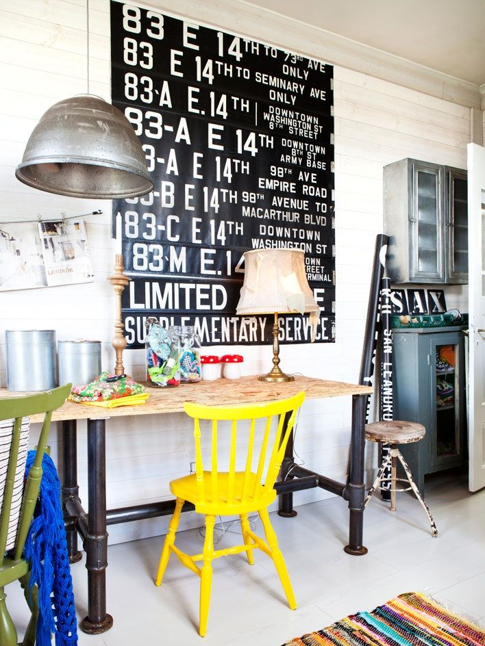 Romantic Workplace with Colorful Touches #interior #design #workspace #workplace #house #craft #handmade #shabby #fleamarket