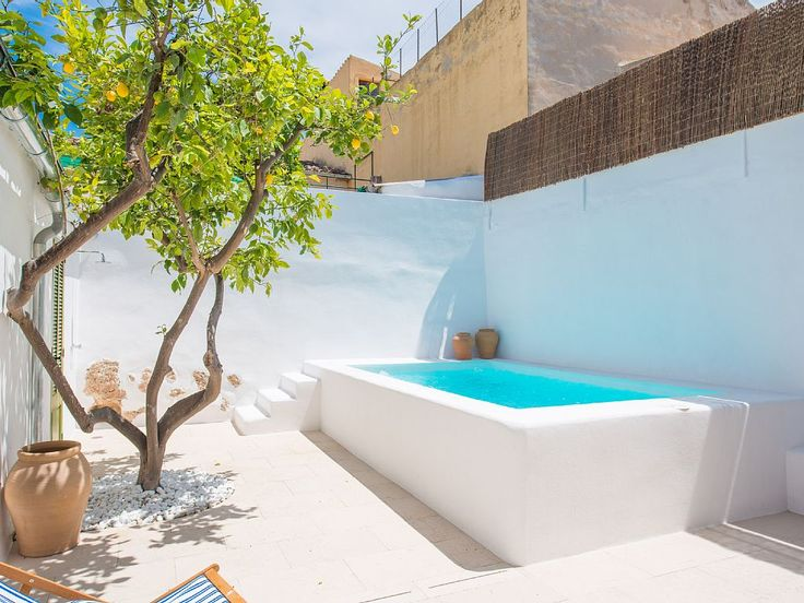 Pin de glo en piletas selec pinterest piscinas for Piletas en patios chicos