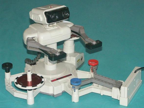 Robotic Operating Buddy (ou ROB), acessório para NES lançado em 1985