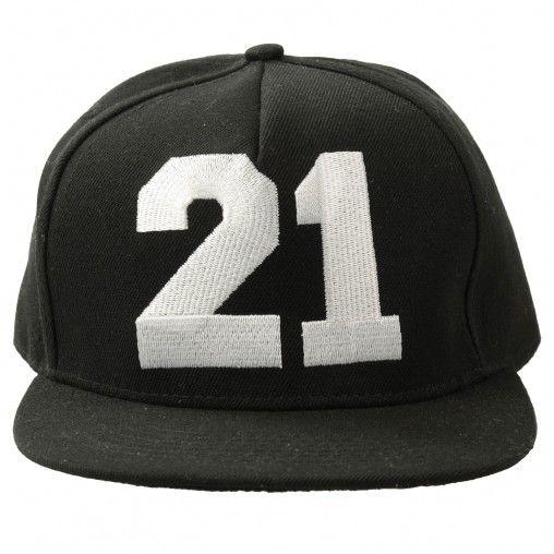 SACHA // Snapback cap 21 €10,95 #sachashoes #hat #blackandwhite