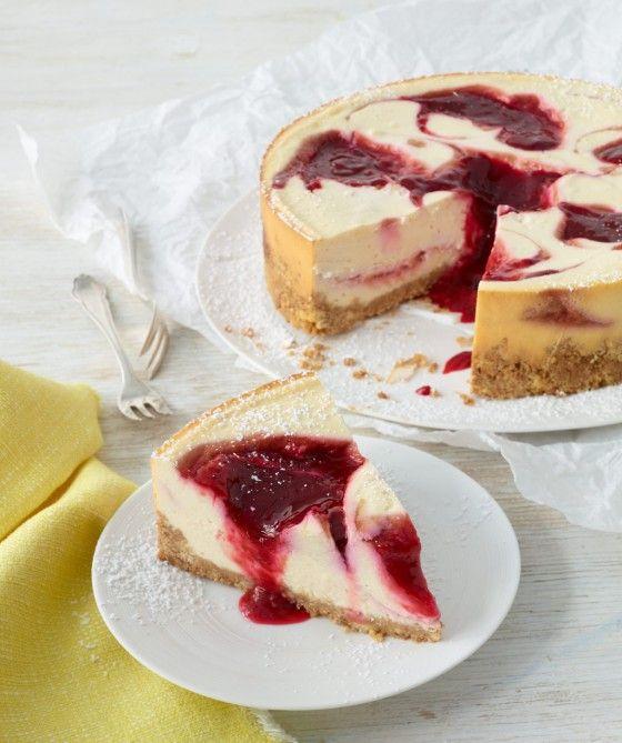 Himbeer-Cheesecake: Zwei die sich gut verstehen - Fruchtige Himbeeren und cremiger Cheesecake.