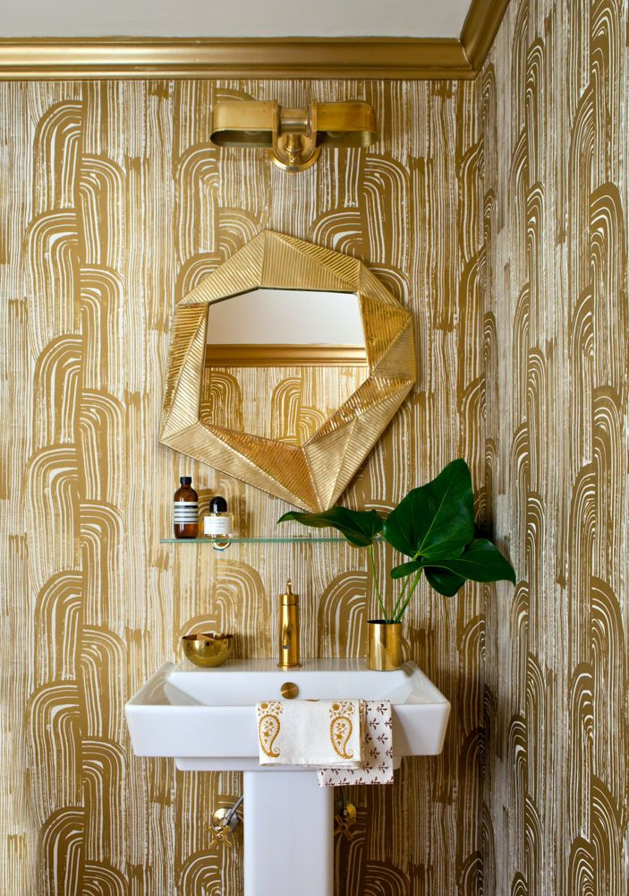 KELLY WEARSTLER | CRESCENT WALLPAPER IN GOLD IVORY. A bold…