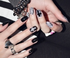 punk nails @Nina Colada