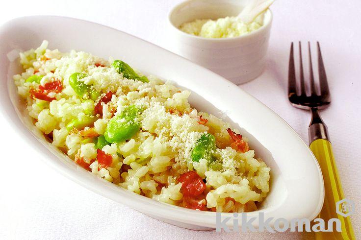 そら豆のリゾットのレシピをご紹介。ベーコンと玉ねぎとそら豆と米を使って簡単お手軽に調理できます。炒め物や煮物から揚げ物まで様々な献立レシピを簡単検索!お弁当や健康(ダイエット)レシピもご用意しています。キッコーマンのレシピサイト【ホームクッキング】