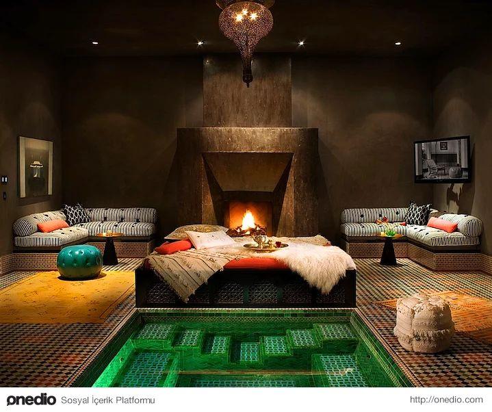 Şömine, jakuzi ve kocaman bir yatak. E daha ne olsun