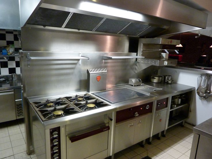 compact commercial kitchen Restaurant kitchen design