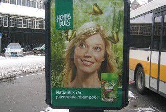 Abri, Henna Plus. Sterkte: opvallend door kleur en duidelijke merknaam. Zwakte: De persoon op de foto voegt niks toe.