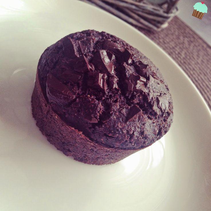 Dietetyczne przepisy: Razowe muffiny czekoladowe bez jajek i masła