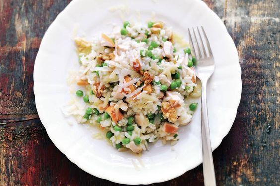 3 december - Gerookte kip in de aanbieding - Rijkgevulde risotto met noten, groenten, kruiden, kip én kaas - Recept - Allerhande