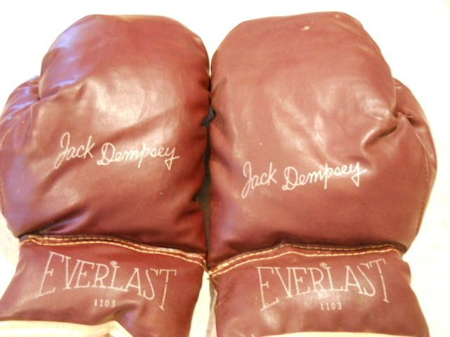 "Vintage Everlast 1103 ""Jack Dempsey""  Brown Youth Boxing Gloves-facsimile auto"