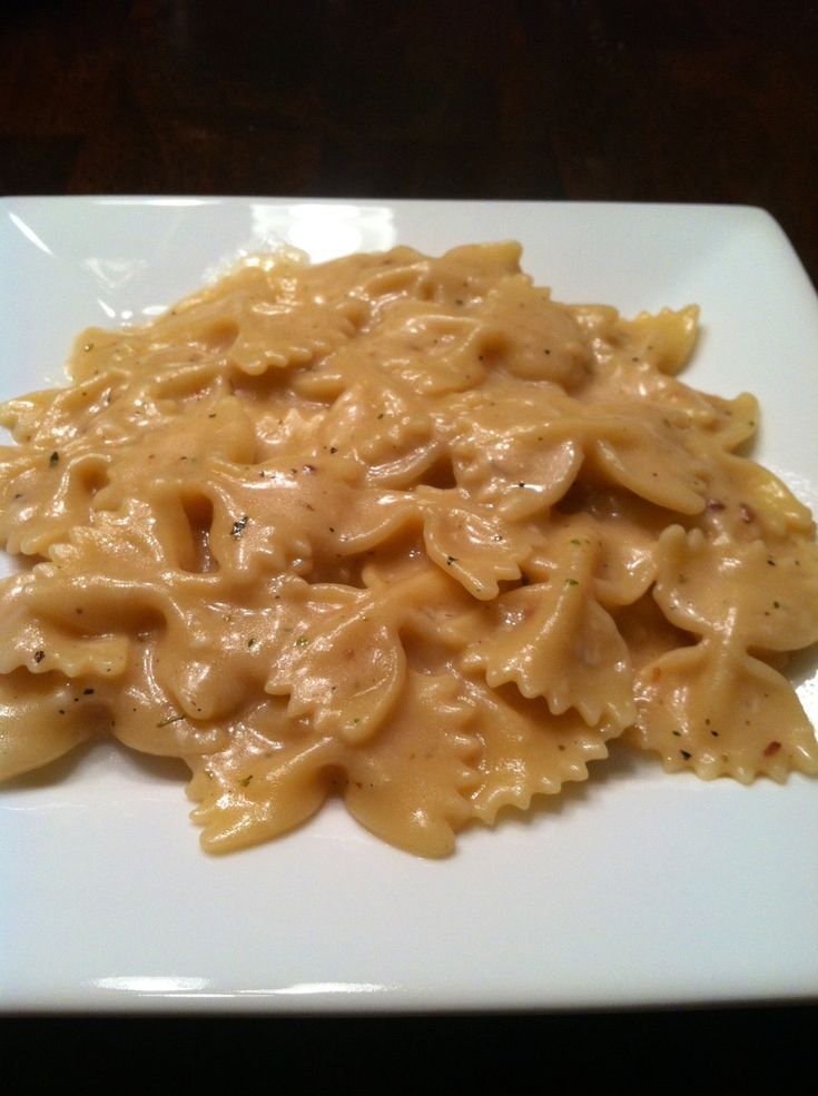 My favorite Pinterest pasta dish! Creamy garlic pasta. So easy!