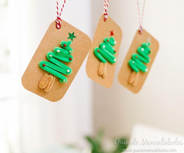 Etiquetas con limpiapipas para decorar la Navidad