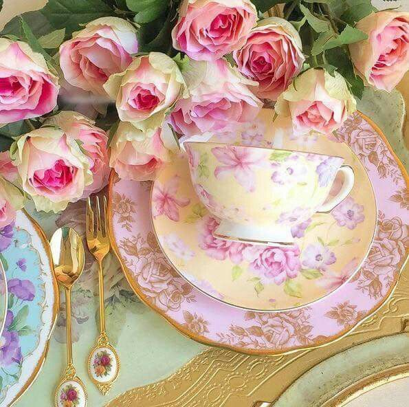 Shabby Chic tea time.
