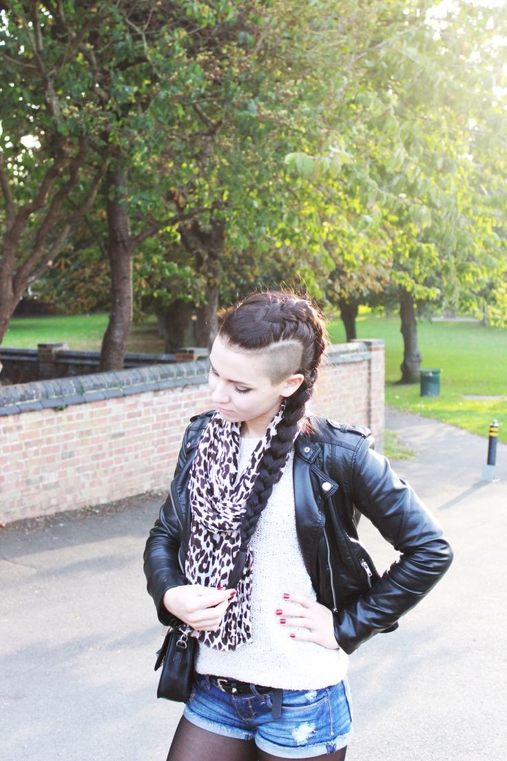 London fashion. autumn, fall fashion, sweater weather, ootd, girly outfit, long hair, brunette, shaved hair, mohawk, side braid, dutch braid, leather jacket