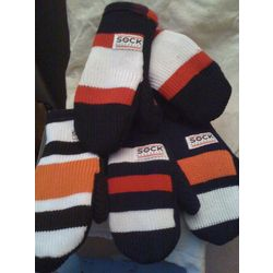 Recycled Hockey Mitts - Favor The Earth  KIMMER LET'S MAKE HOCKEY MITTENS