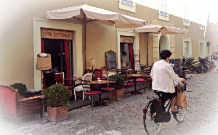 Senigallia (Marche). Caffè Letterario. Le Boudoire.