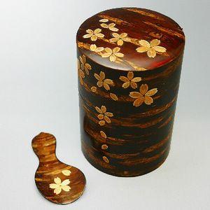 秋田ならではの伝統工芸品を、大切なあの方へ。【茶筒茶味揃 桜皮 桜模様】