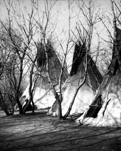 American Indians : Yankton Indian Camp 1882. Dakota Sioux