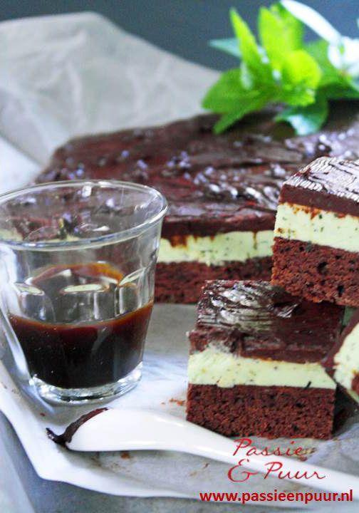Glutenvrije koffie - choco mega brownie. Romige creme vulling van verse munt, topped met een chocolade ganache. Sweet without sugar....