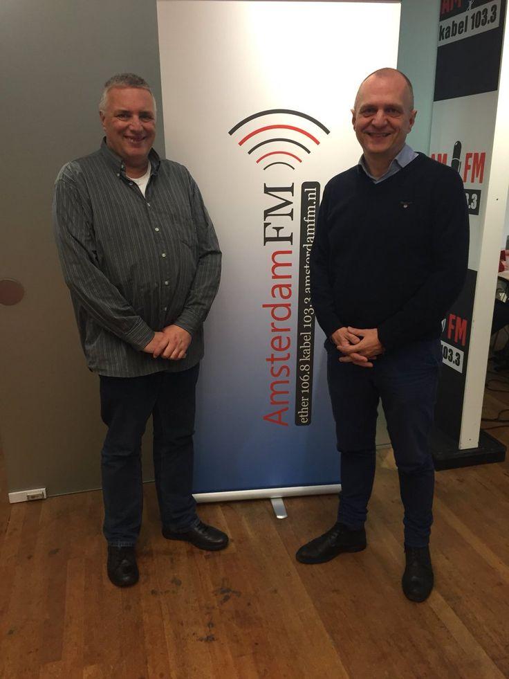 Auteur Guido de valk te gast bij radiostation AmsterdamFM om te praten over zijn boeken 'Neuroleiderschap' en 'Menselijk leiderschap'. Mooi hoor! #neuroleiderschap #menselijkleiderschap #guidodevalk #amsterdamfm #futurouitgevers