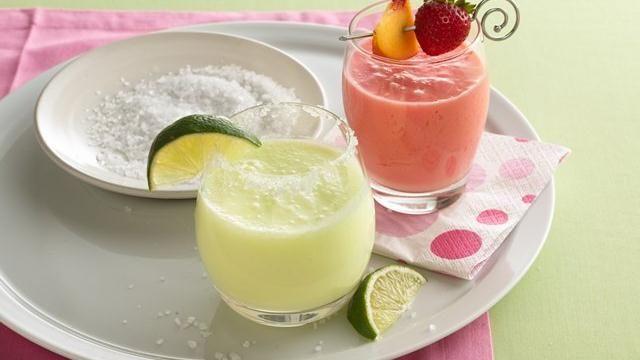 Mock Margaritas: Mocking Margaritas, Ice Cubes, Margaritas Recipes, Strawberry Peaches Fizz, Beverages, Strawberries Peaches Fizz, Blend Drinks, Dinners Parties, Refreshing Drinks