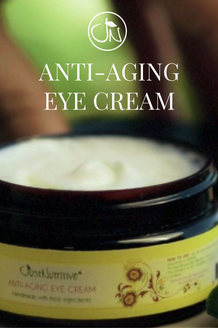 Ultra-gentle, this eye cream reduces the  appearance of wrinkles instantly and works over  time to reduce the look of fine lines and helps to  fade the look of stubborn crow's feet.