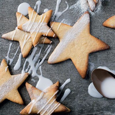 Taste Mag | Starry soetkoekies @ https://taste.co.za/recipes/starry-soetkoekies/