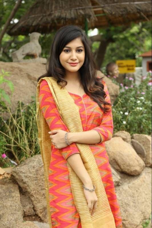 bollywoodmirchitadka: Actress Simran At EGO Movie Launch Stills