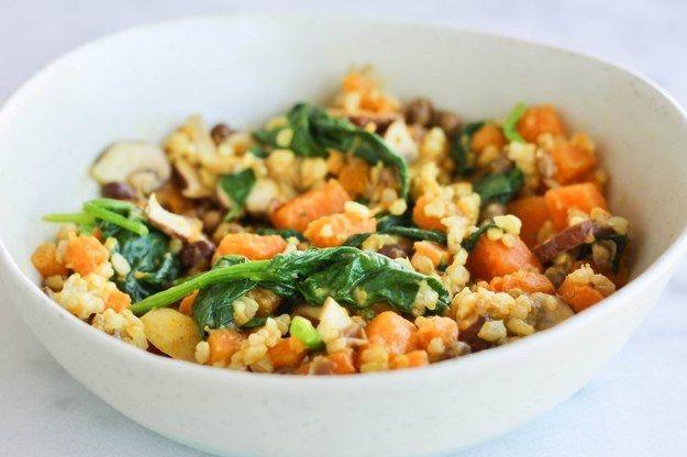 El risotto de champiñones hecho para los de alma vegana. | 13 Cenas rápidas y deliciosas para los que les da flojera cocinar