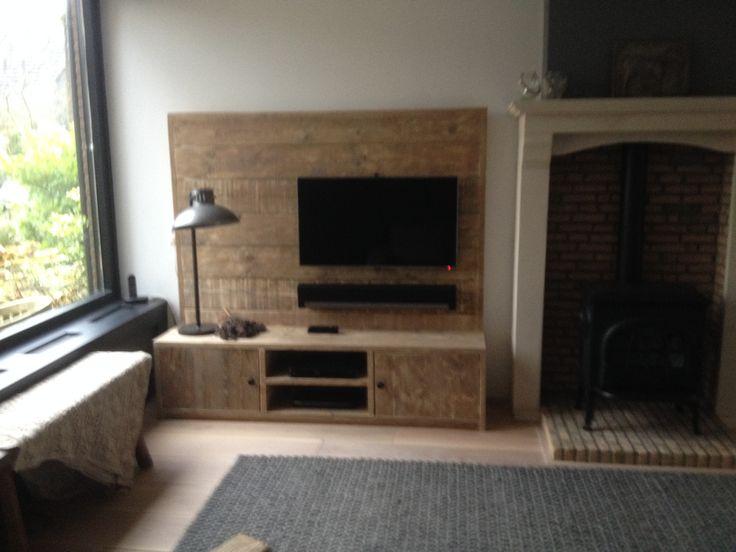 mooi robuuste tv wand met dressoir 190x190x45 cm van gebruikt steigerhout
