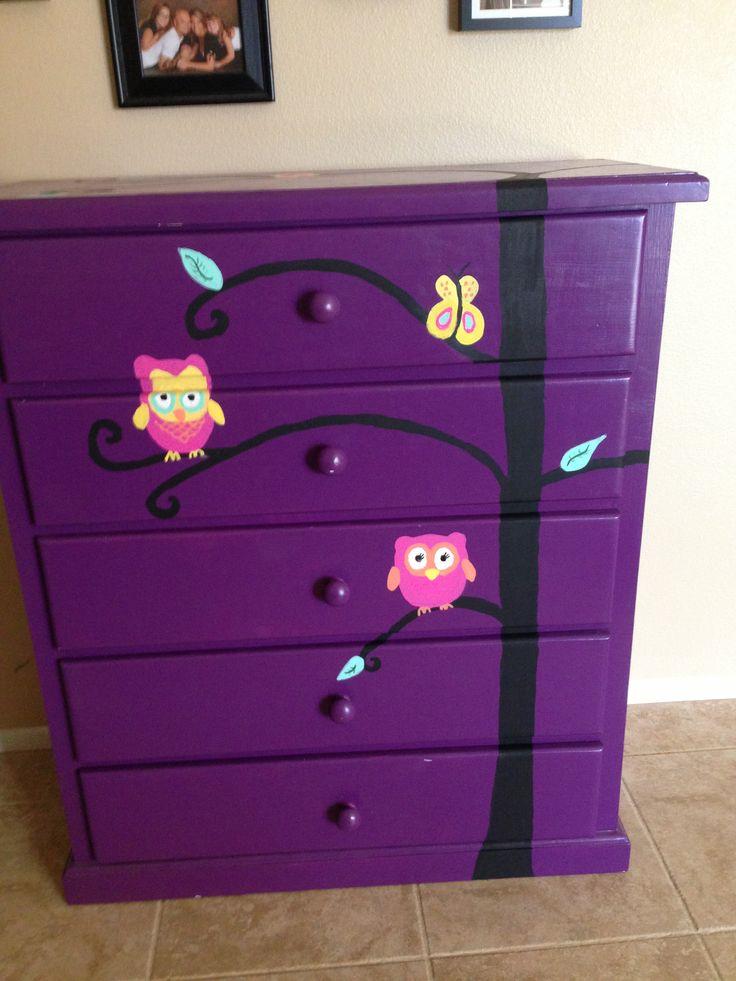 Owl dresser... i think i'll pain the girls dresser :)