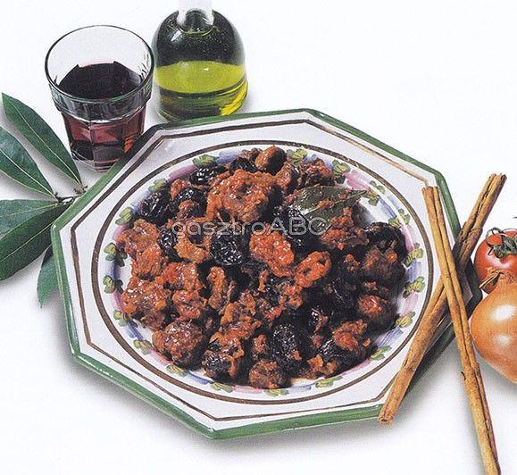 Vörösboros marharagu aszalt szilvával | Receptek | gasztroABC