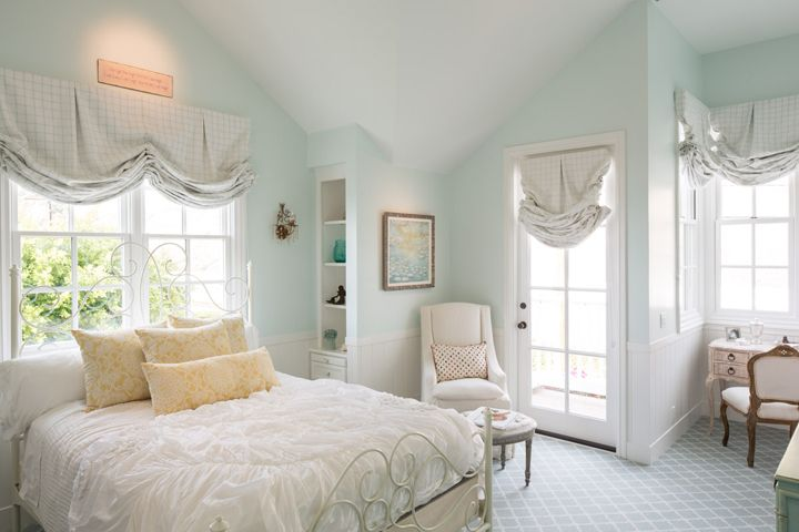serene aqua bedroom