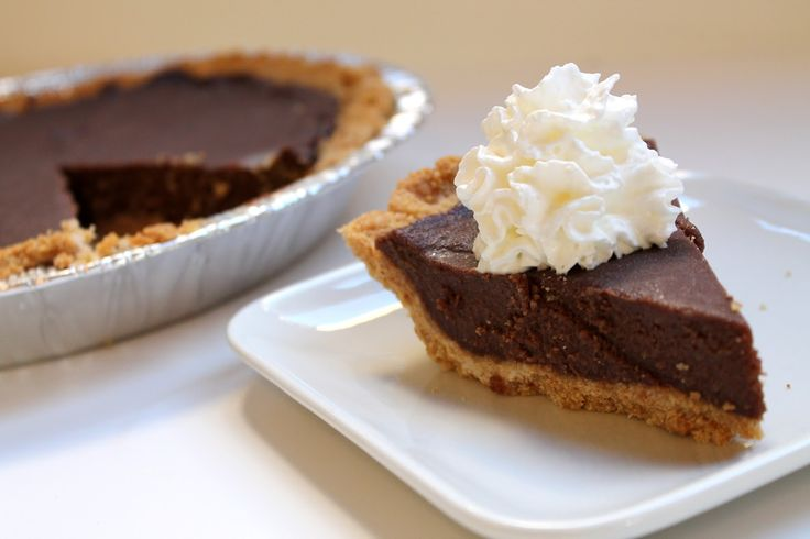 Csoda fincsi csokoládés pite! Krémes és lágy, gyorsan elkészíthető és csupa csoki :)