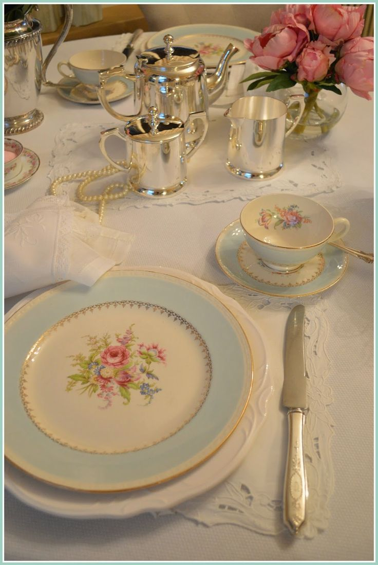 Vintage china, Homer Laughlin, Tea, Afternoon Tea.  http://rosemary-thyme.blogspot.com/2015/01/moments-to-unwind-and-plan-ahead.html