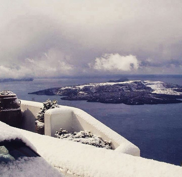 Santorini in snow! selected by www.oiamansion.com