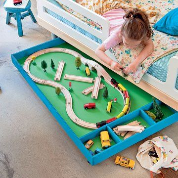 Un tiroir de jeu pour enfant / A drawer of game for child