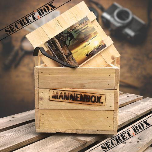 Verras hem (en jezelf) met een verrassingsbox van Mannenbox! Gevuld met cadeaus voor echte mannen. En wil je het een beetje sturen? Geef dan tips over bijv. zijn persoonlijkheid en hobby's, dan maken wij er een origineel cadeau voor mannen van! Zelfs een romantisch cadeau voor hem is mogelijk als je dat wilt :-)