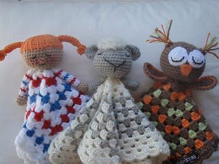 Brittas Ami: Cuddle Blankets (free) You'll need to hit the translate button. It's swedish