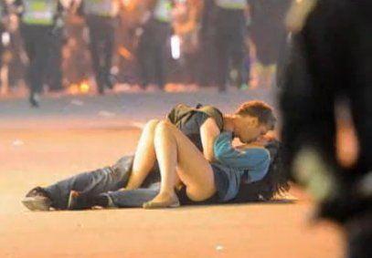 Dieses Kuss-Foto ging in der letzen Woche um die Welt.