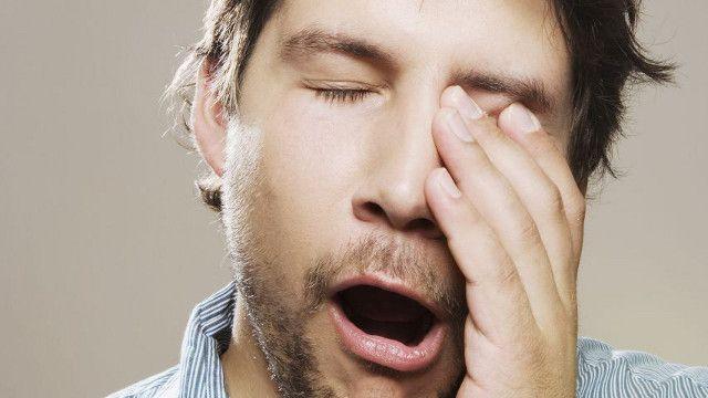 Benarkah Kurang Tidur Dapat Mengganggu Penglihatan Mata ? Salah satu efek samping kurang tidur yaitu dapat menyababkan mata Anda kejang yang juga dikenal sebagai myokymia. Info lebih lengkap dapat Anda baca pada link berikut, klik http://www.ahlinyapenyakitmata.web.id/benarkah-kurang-tidur-dapat-mengganggu-penglihatan-mata/