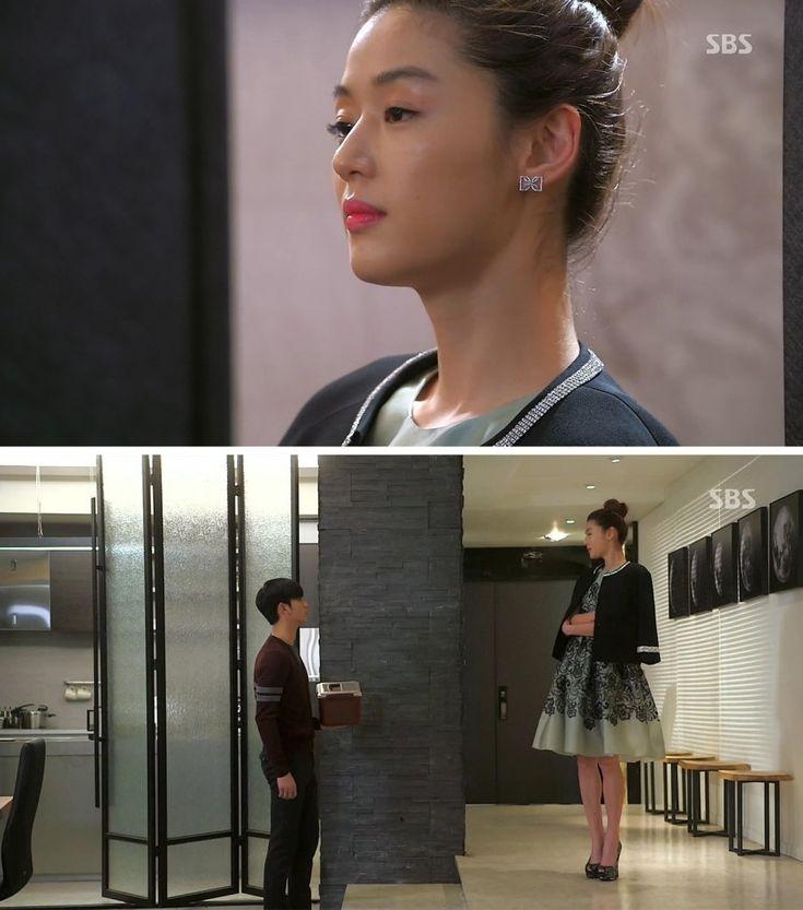Jun Ji-hyun (Gianna) / Cheon Song-yi fashion | Dolce & Gabbana Jacket and Skirt / Didier Dubot Earrings / Giuseppe Zanotti Heels