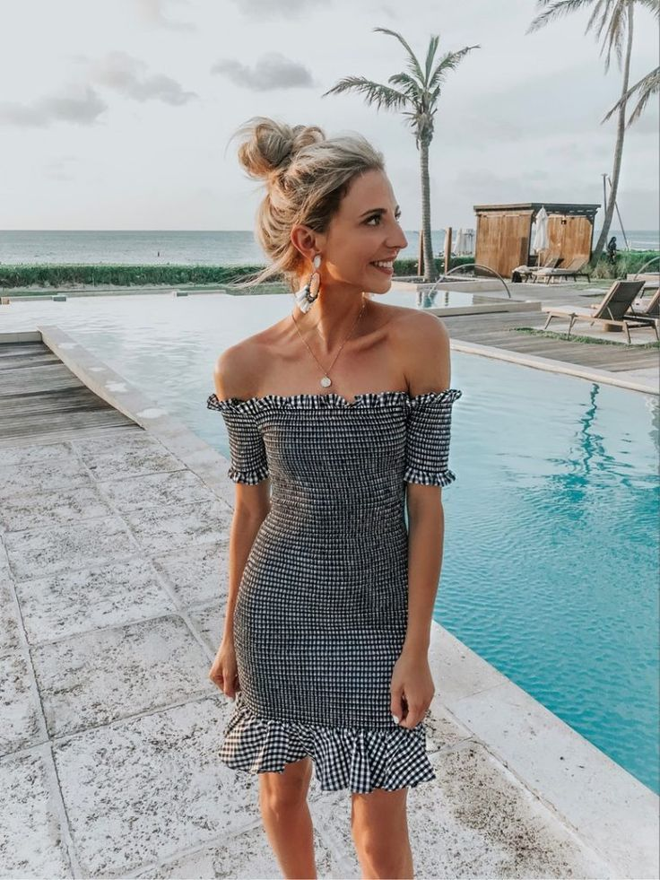 Honeymoon outfits 2018    Dani Austin  376397368