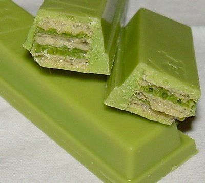 Japanese Green Tea (Matcha) Kit Kat candy bars!